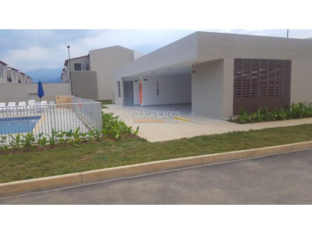 Casas, Venta, Country Plaza - $340.000.000