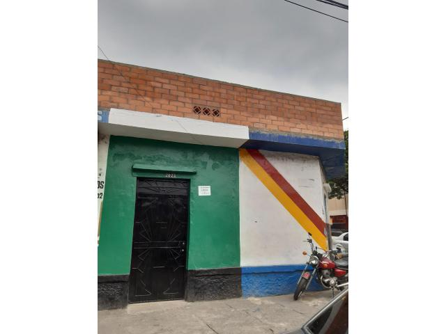 Locales y Bodegas, Alquiler, Sucre - $800.000